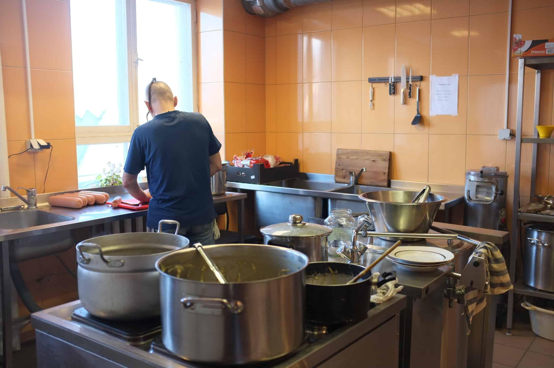 Parnu Horisont Teenused - Sooja toidu kojukanne